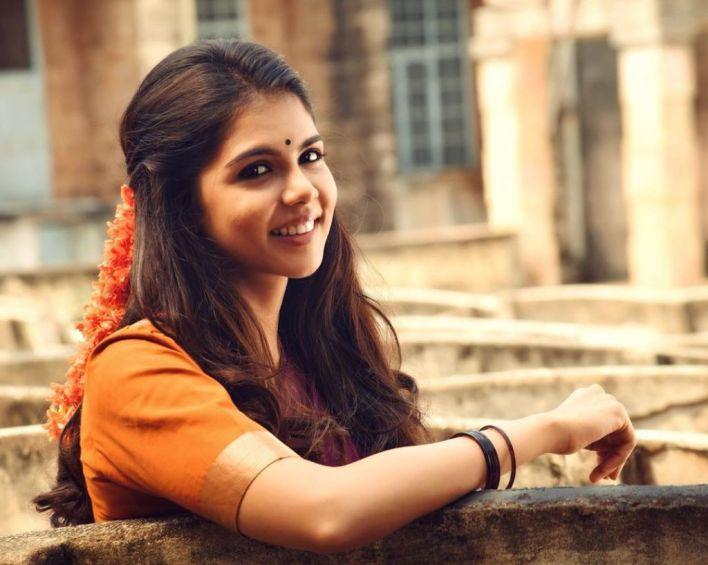 44+ Cute Photos of Kalyani Priyadarshan 20