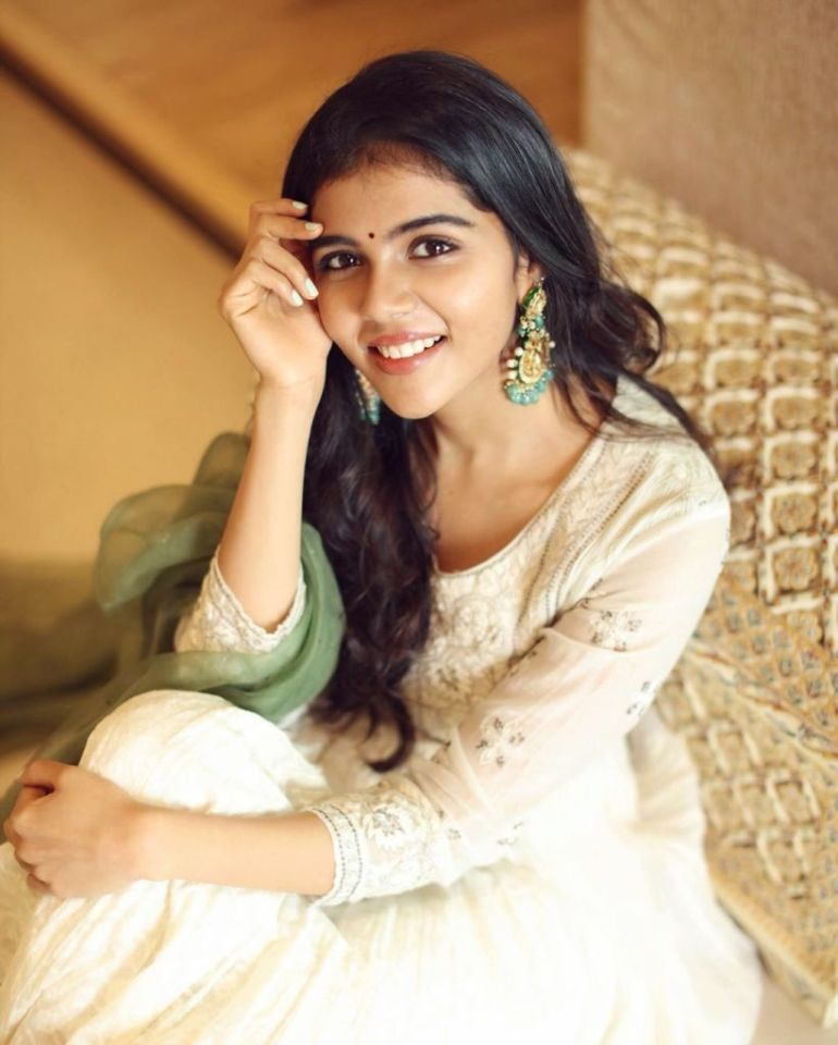 44+ Cute Photos of Kalyani Priyadarshan 107