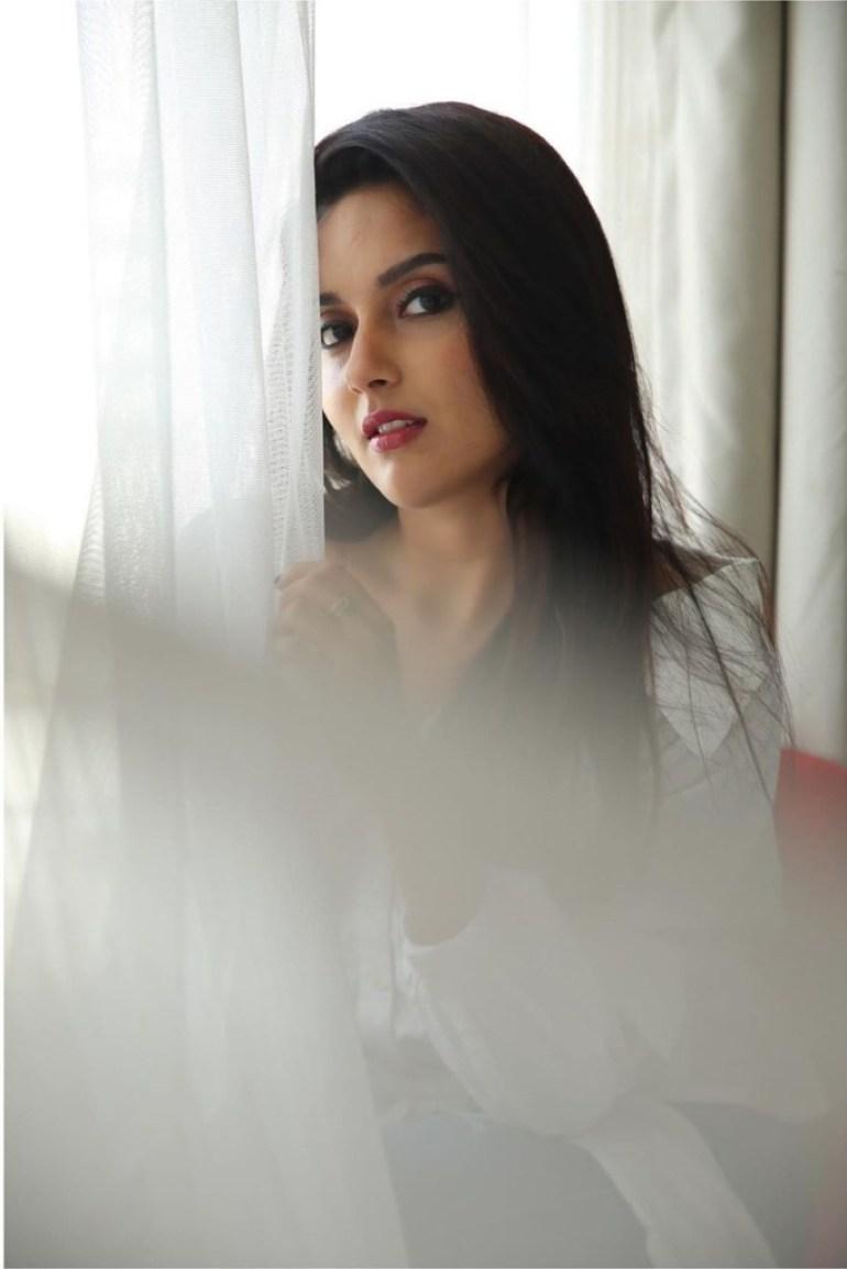 31 + Gorgeous Photos of Mahima Nambiar 17