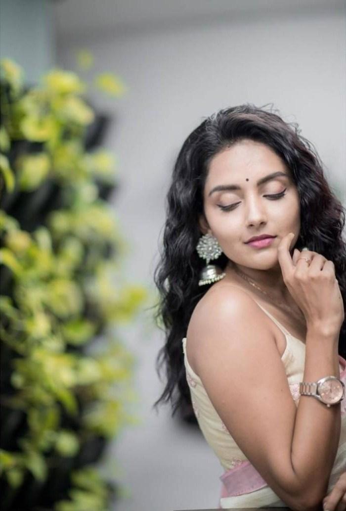 31 + Gorgeous Photos of Mahima Nambiar 30