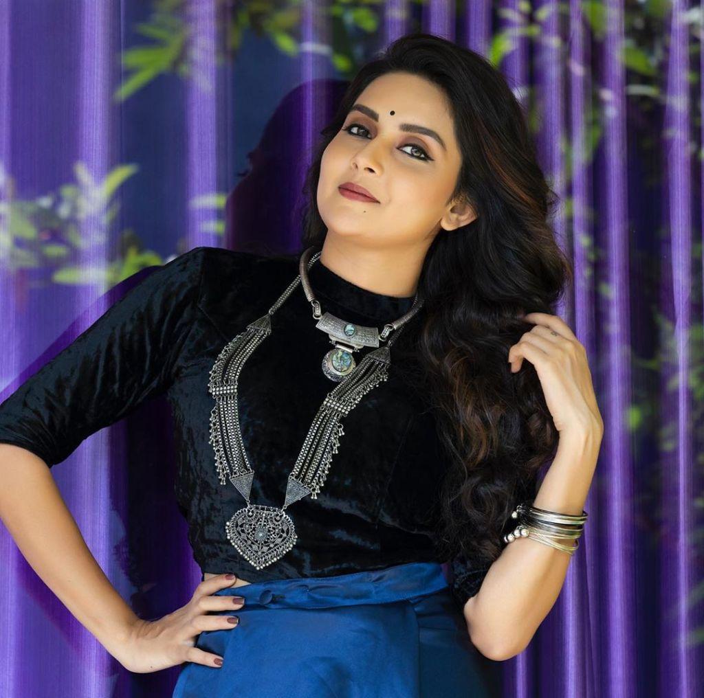31 + Gorgeous Photos of Mahima Nambiar 8