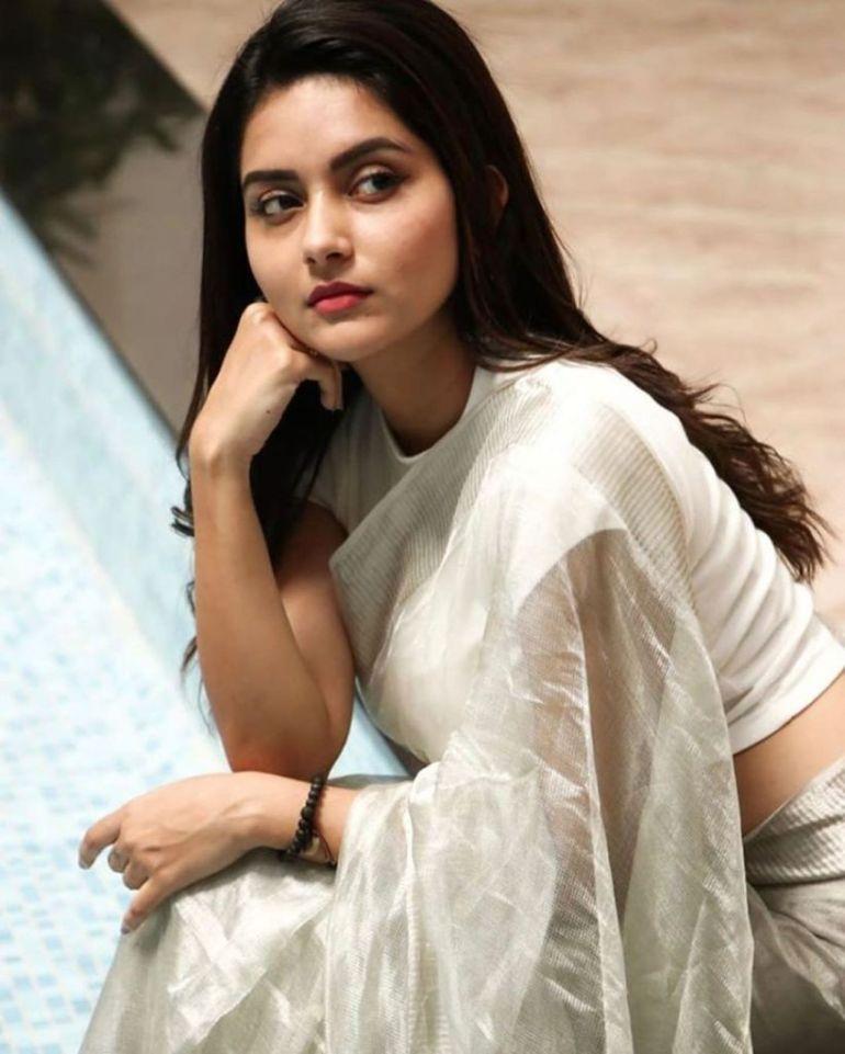 31 + Gorgeous Photos of Mahima Nambiar 92