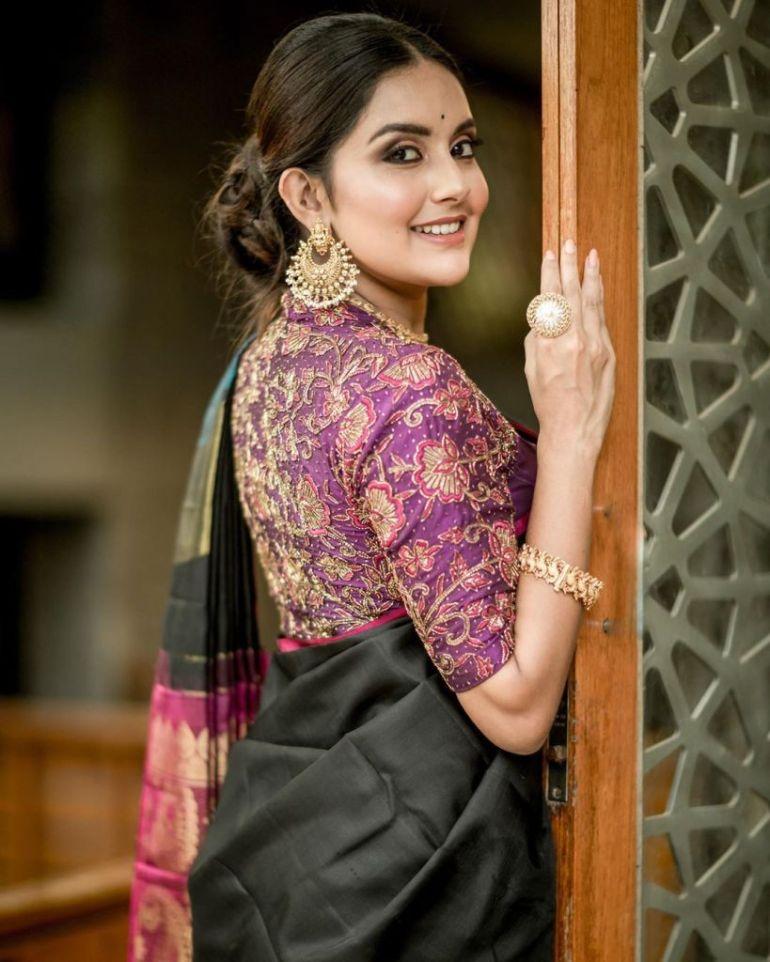 31 + Gorgeous Photos of Mahima Nambiar 93