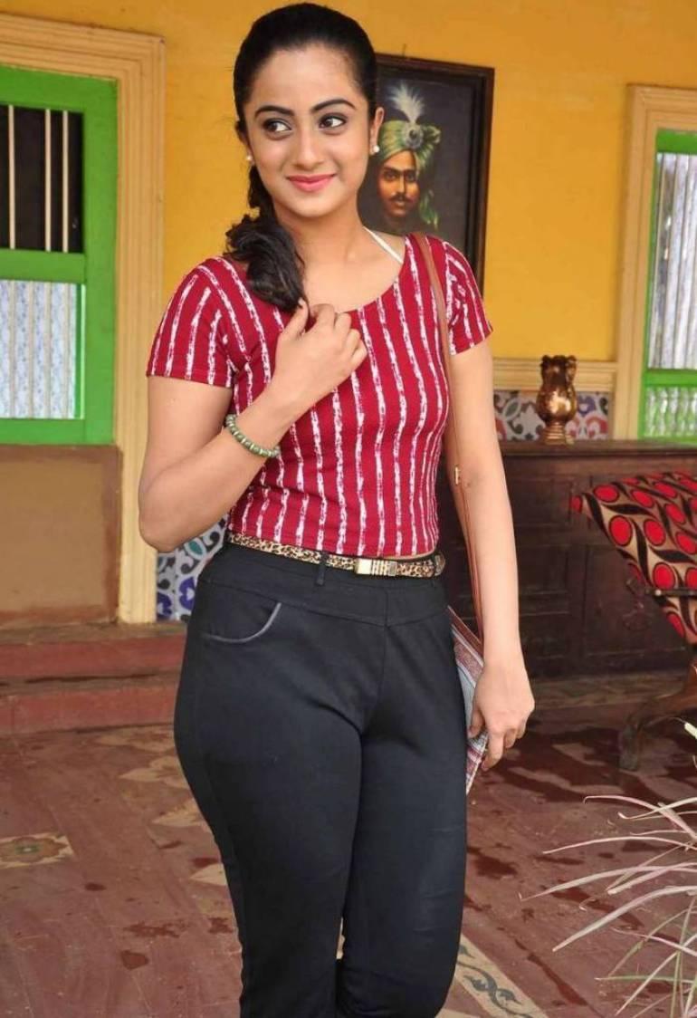 48+ Stunning Photos of Namitha Pramod 42