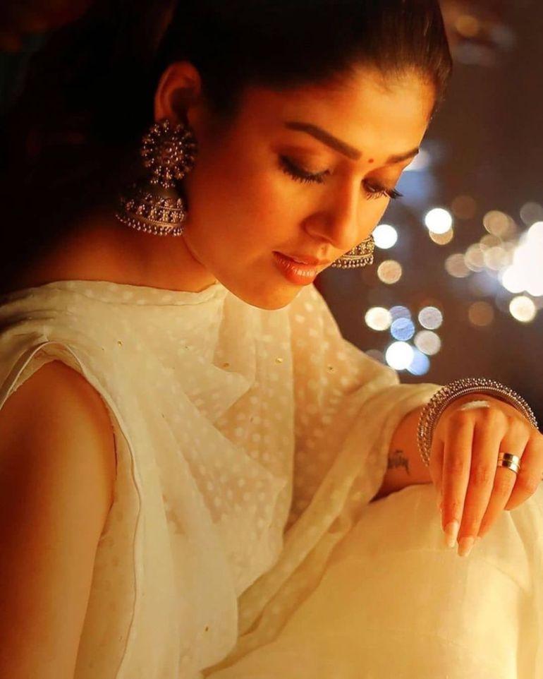 59+ Gorgeous Photos of Nayanthara 92