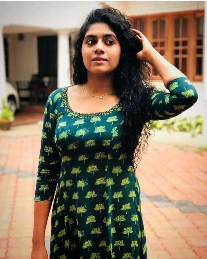 39+ Gorgeous Photos of Nimisha Sajayan 14