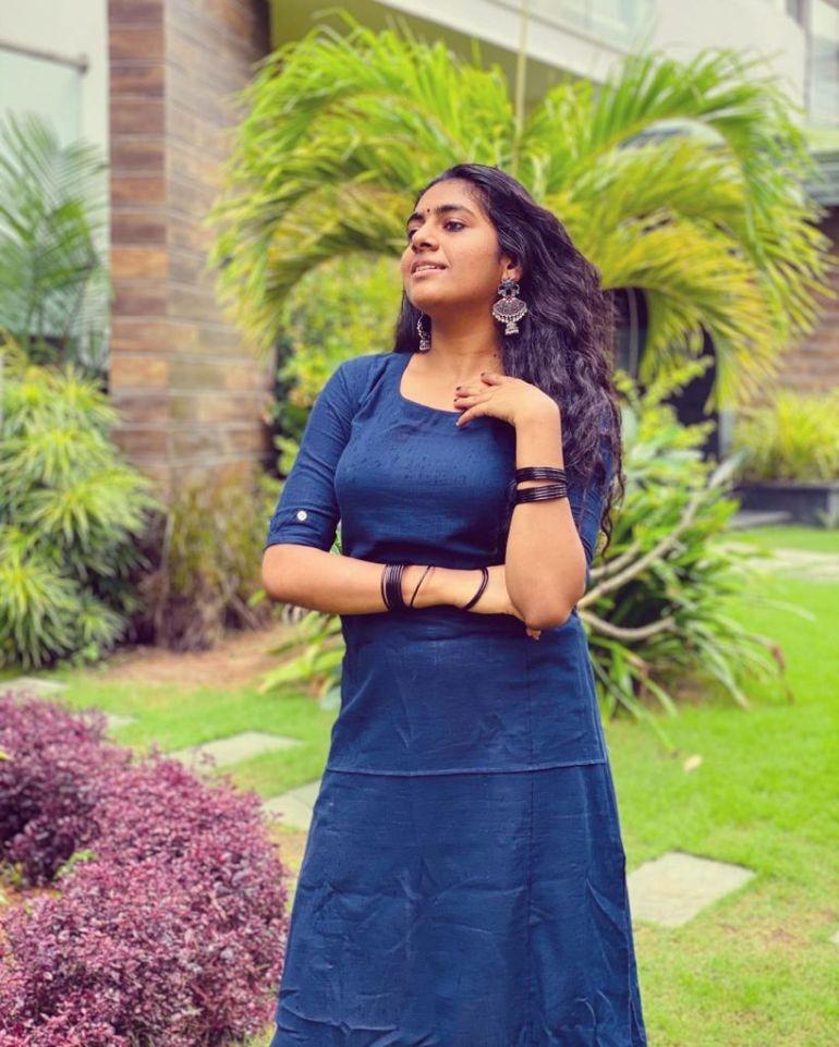 39+ Gorgeous Photos of Nimisha Sajayan 111