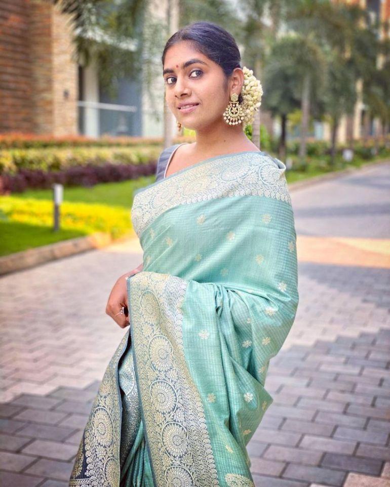 39+ Gorgeous Photos of Nimisha Sajayan 112