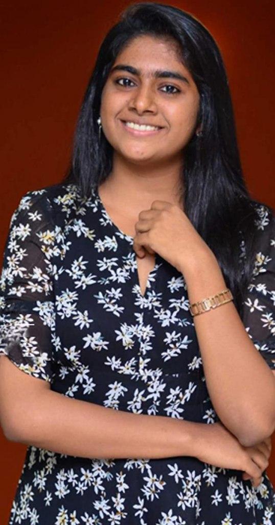 39+ Gorgeous Photos of Nimisha Sajayan 119