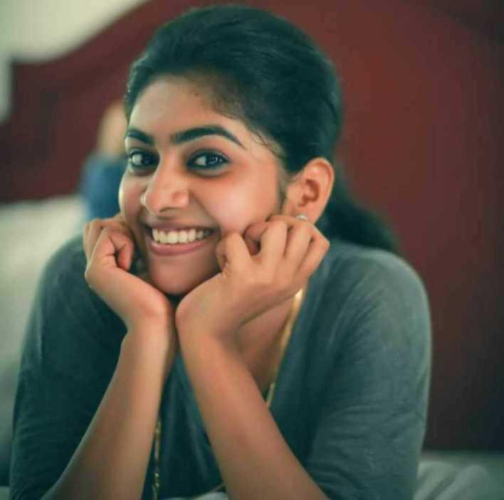 39+ Gorgeous Photos of Nimisha Sajayan 6