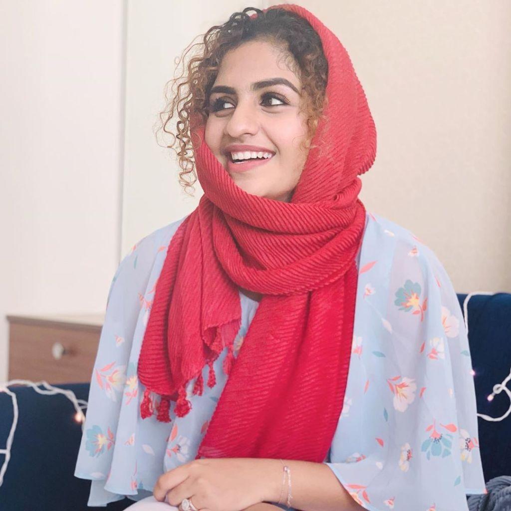 27+ Charming Photos of Noorin Shereef 11