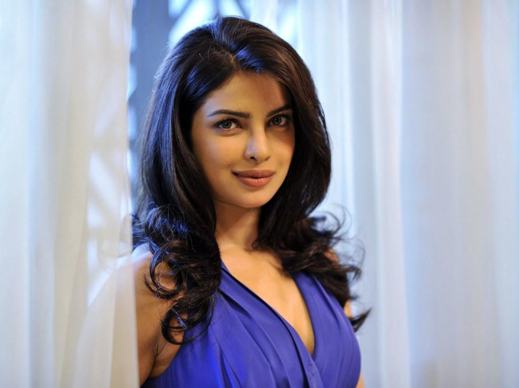 31+ Glamorous Photos of Priyanka Chopra 14