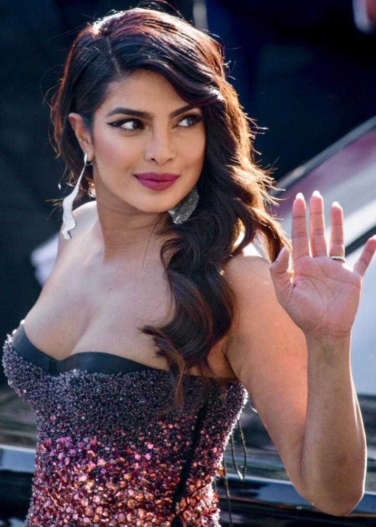 31+ Glamorous Photos of Priyanka Chopra 98