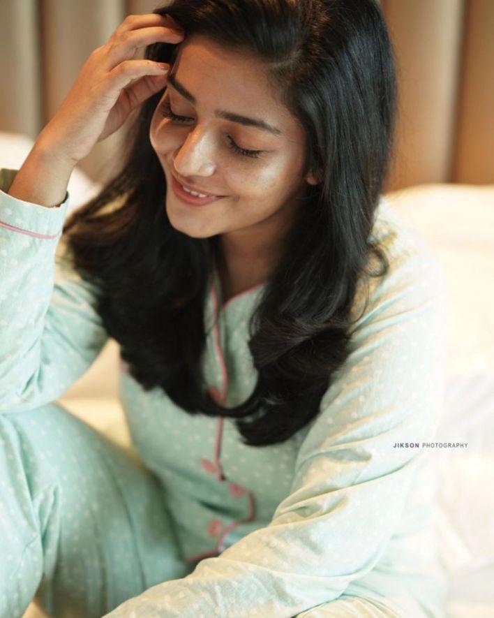 71+ Beautiful Photos of Rajisha Vijayan 4