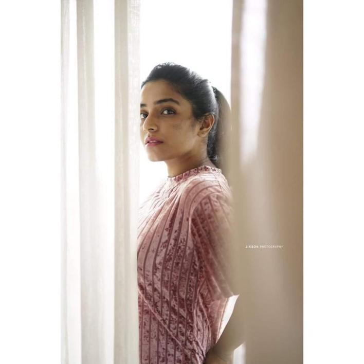 71+ Beautiful Photos of Rajisha Vijayan 39