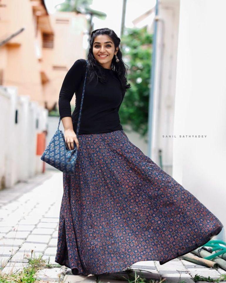 71+ Beautiful Photos of Rajisha Vijayan 44