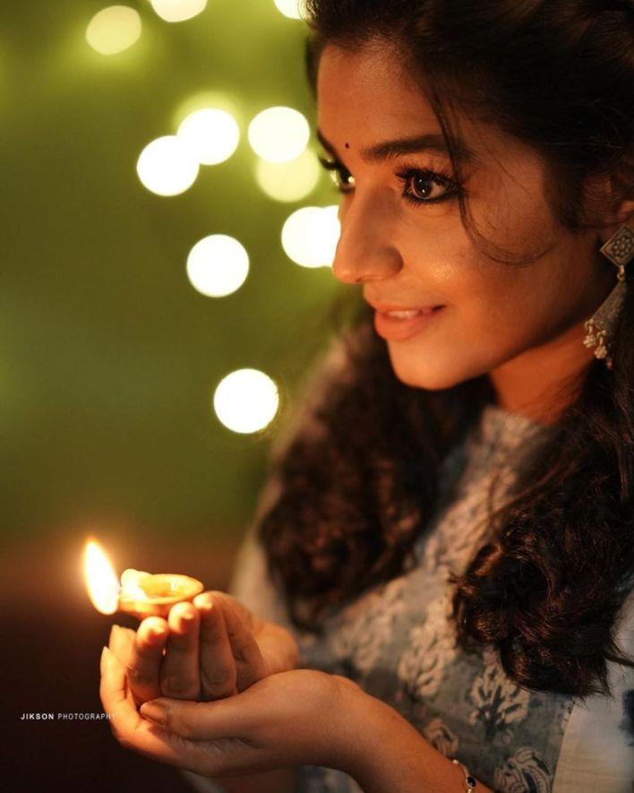 71+ Beautiful Photos of Rajisha Vijayan 9