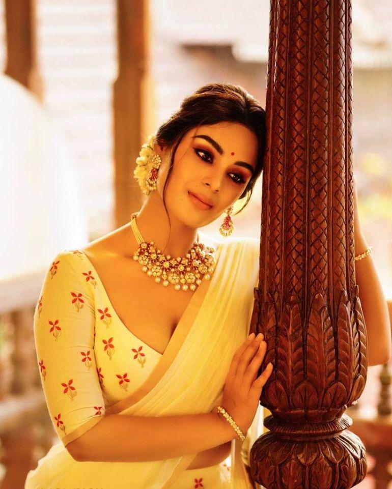 30+ Gorgeous Photos of Samyuktha Menon 96