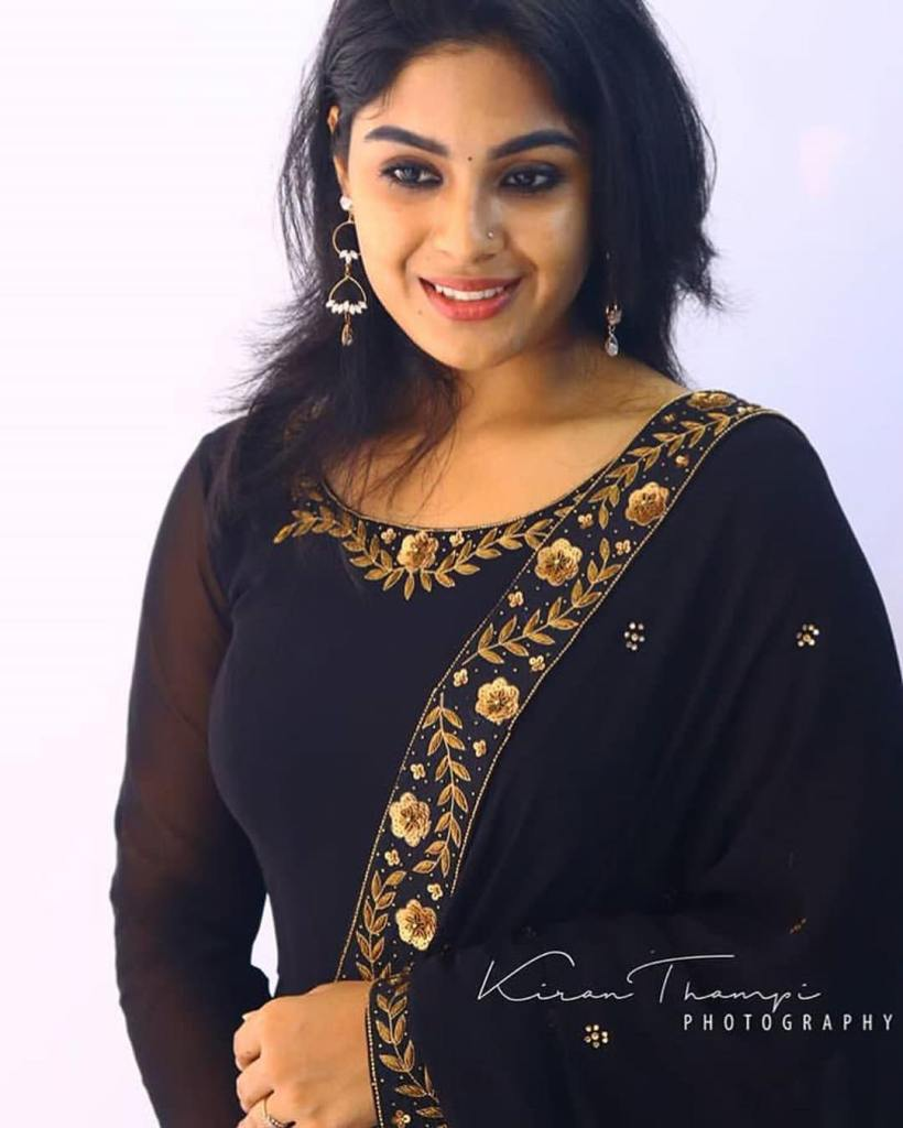 30+ Gorgeous Photos of Samyuktha Menon 6
