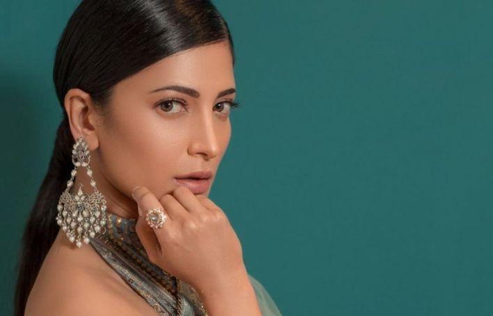 56+ Lovely Photos of Shruti Hassan 10