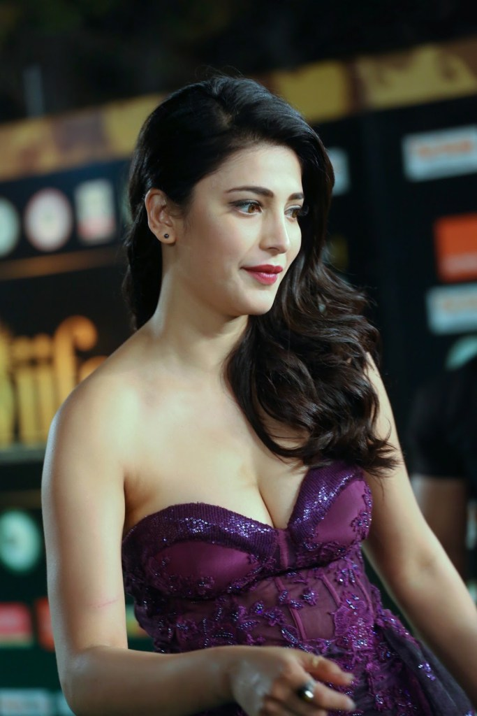 56+ Lovely Photos of Shruti Hassan 34