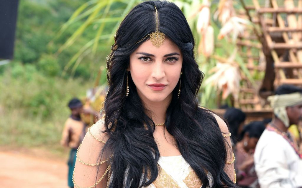 56+ Lovely Photos of Shruti Hassan 40