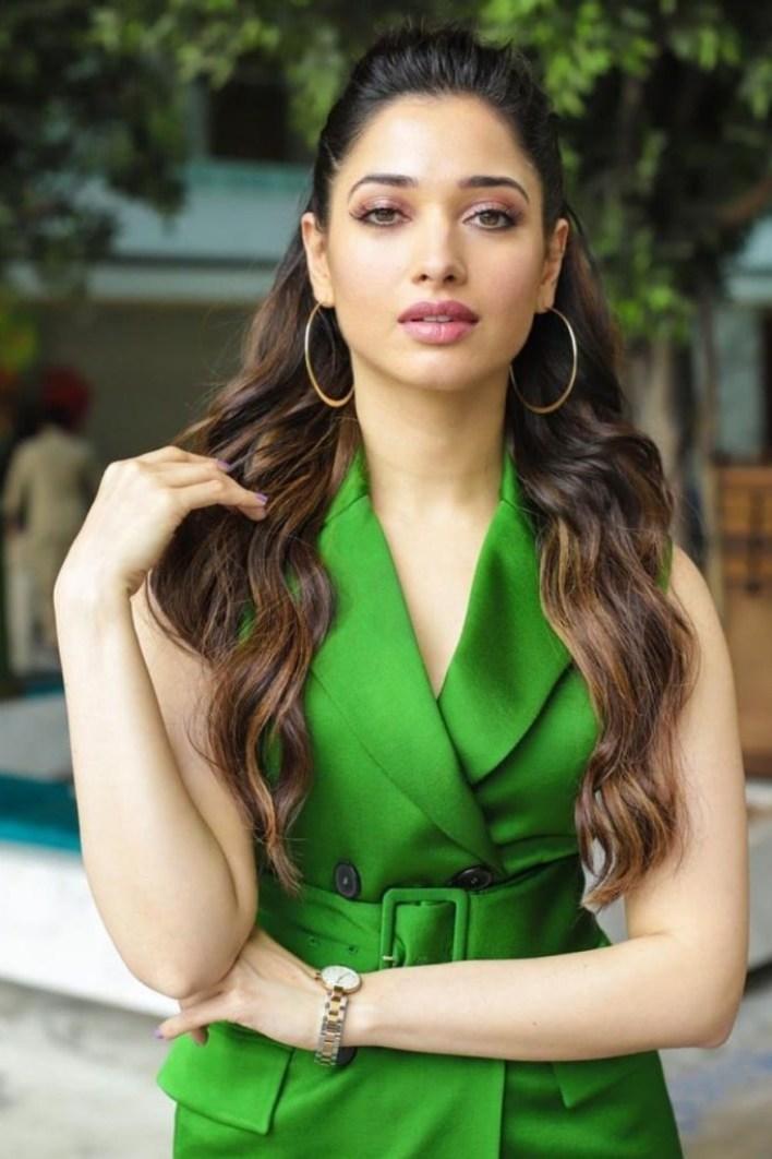 Tamanna Bhatia Wiki, Age, Biography, Movies, and Glamorous Photos 2