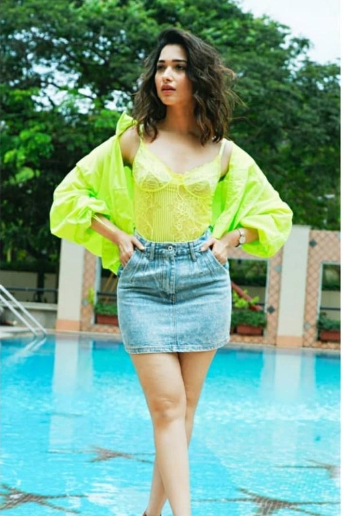 Tamanna Bhatia Wiki, Age, Biography, Movies, and Glamorous Photos 37