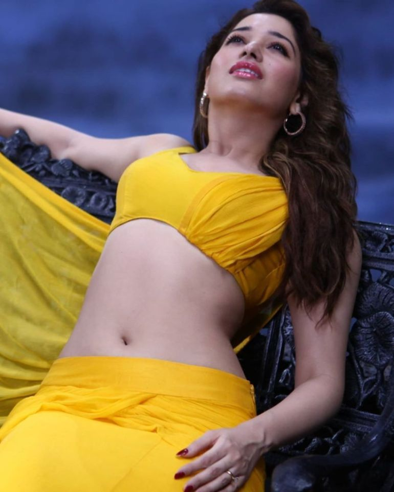 Tamanna Bhatia Wiki, Age, Biography, Movies, and Glamorous Photos 41