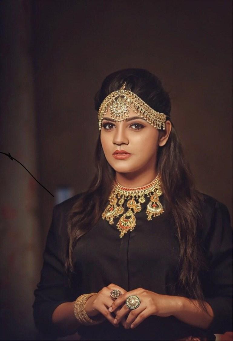 53+ Gorgeous Photos of Aparna Balamurali 8