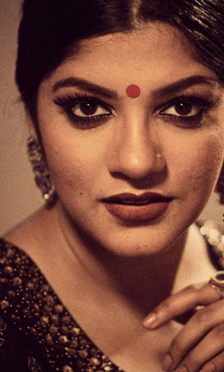 53+ Gorgeous Photos of Aparna Balamurali 54