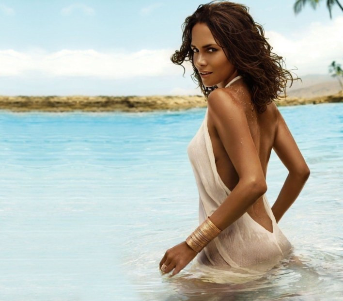 59+ Charming Photos of Halle Berry 11