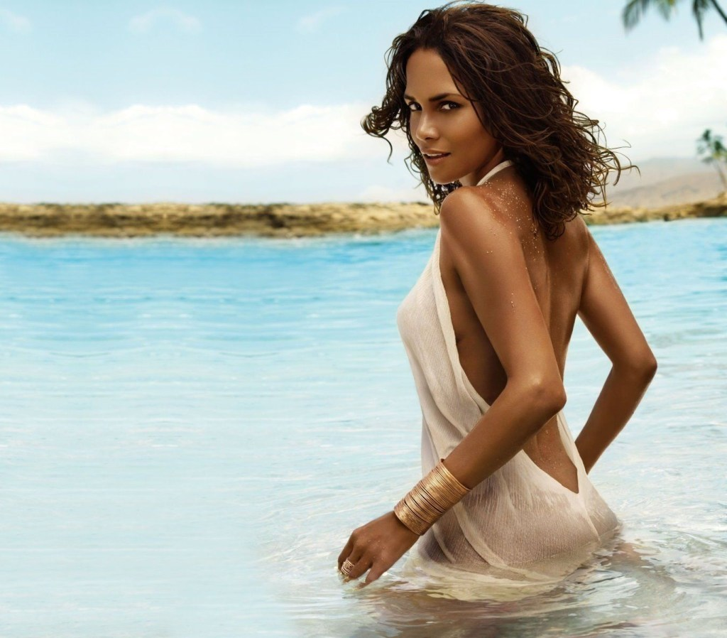 59+ Charming Photos of Halle Berry 12