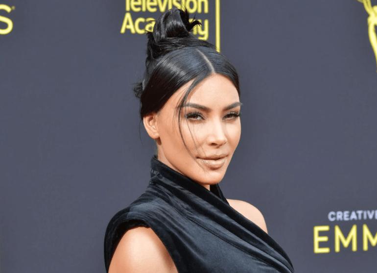 45+ Glamorous Photos of Kim Kardashian 110