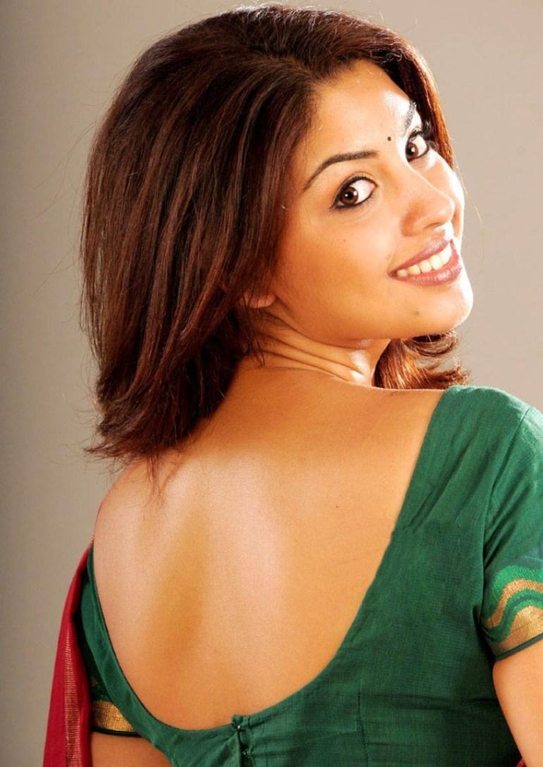 Stunning Photos of Richa Gangopadhyay 11