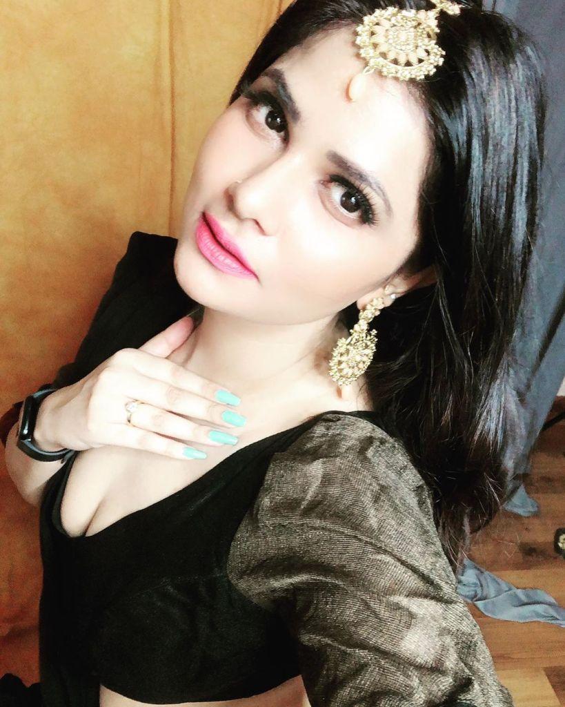 Aabha Paul Wiki, Biography and 57+ Glamorous Photos 32