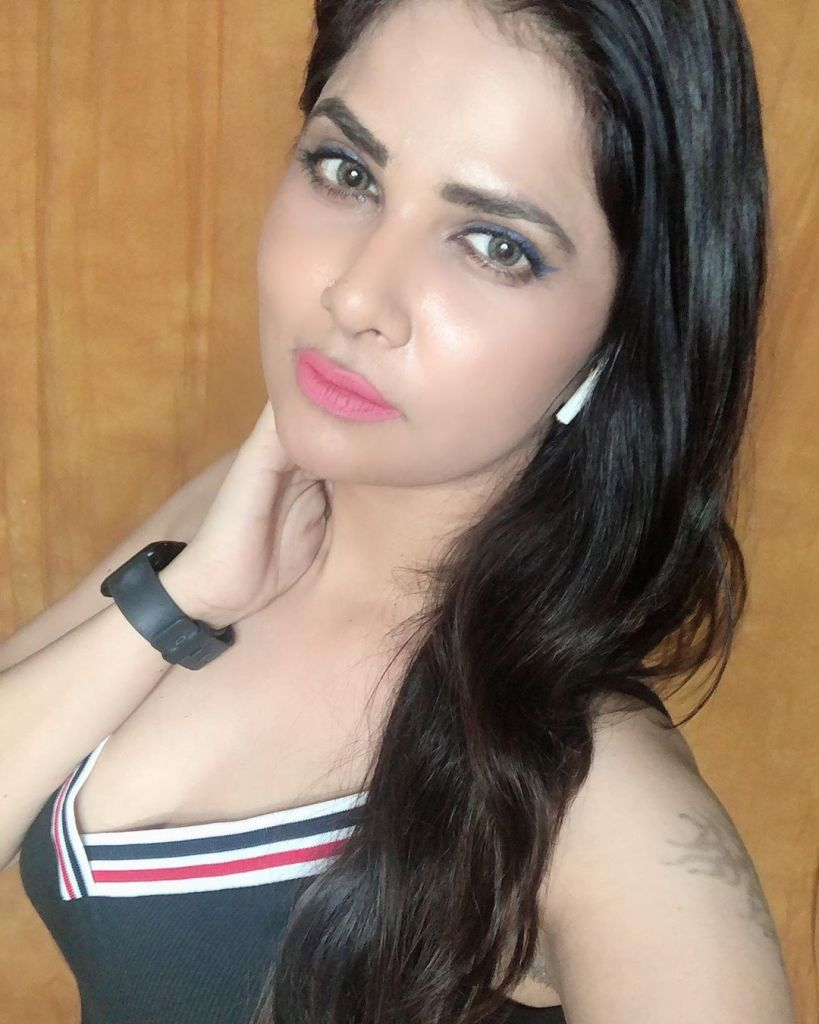Aabha Paul Wiki, Biography and 57+ Glamorous Photos 35