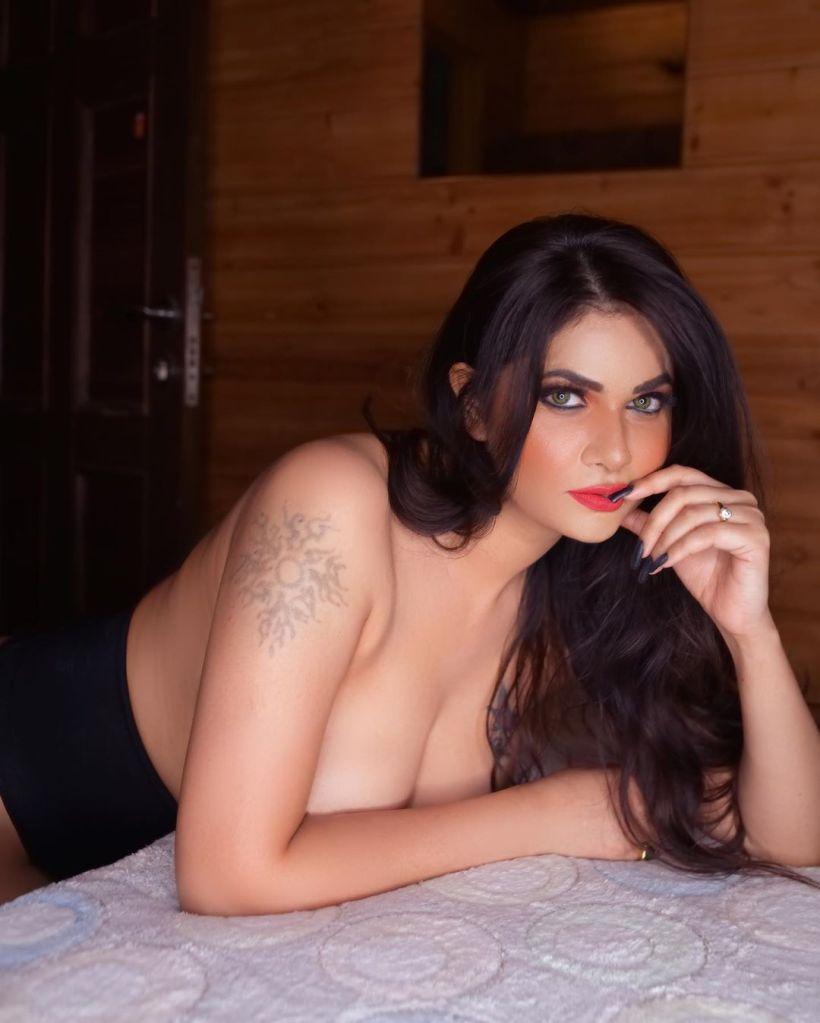 Aabha Paul Wiki, Biography and 57+ Glamorous Photos 45