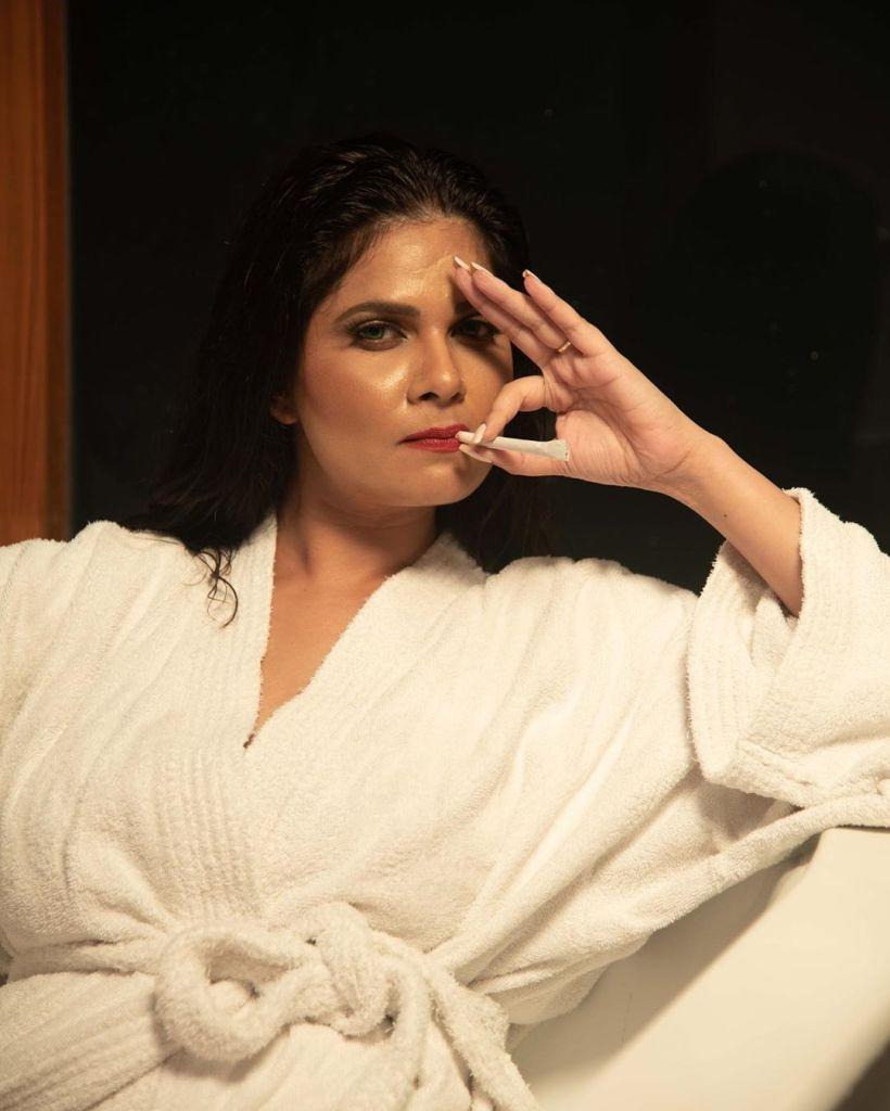 Aabha Paul Wiki, Biography and 57+ Glamorous Photos 19