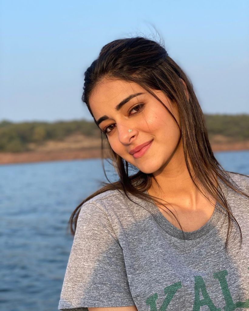 51+ Glamorous Photos of Ananya Panday 23