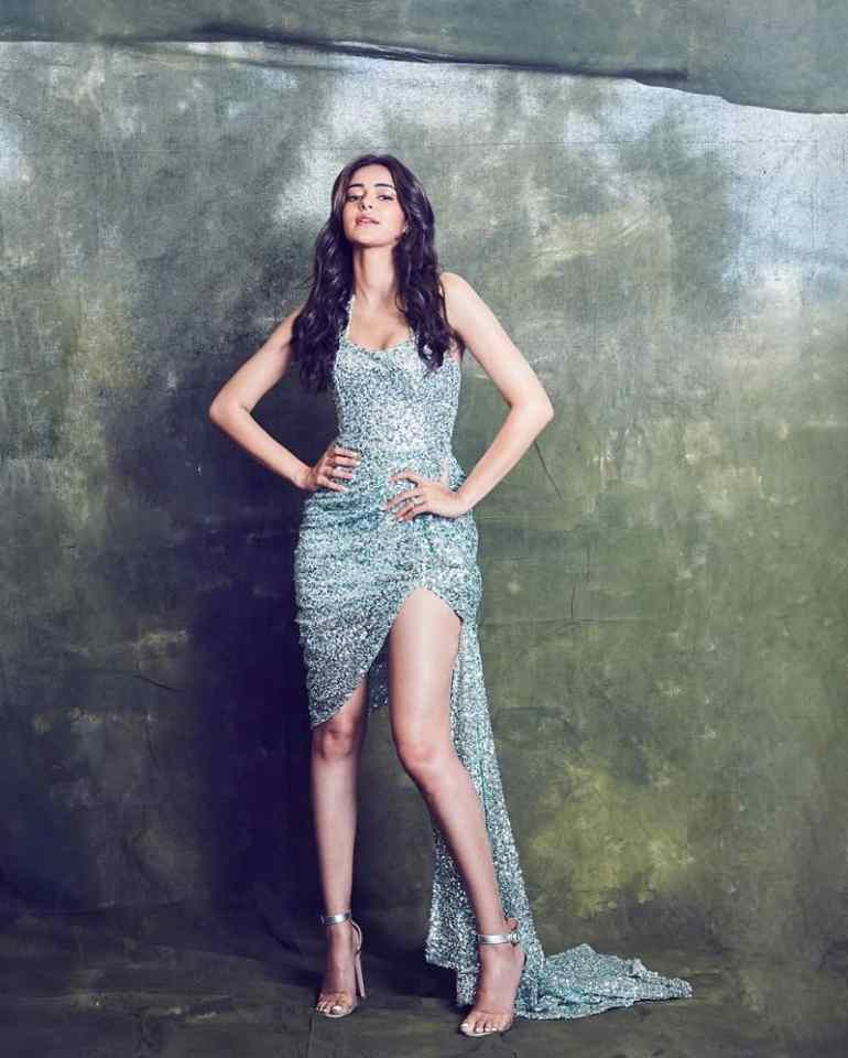 51+ Glamorous Photos of Ananya Panday 37
