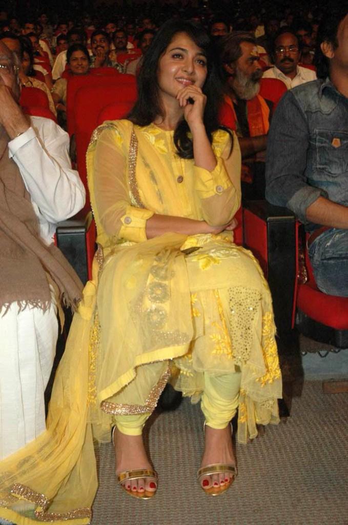 Anushka Shetty Wiki, Biography, Movies, and 126+ Stunning Photos 102