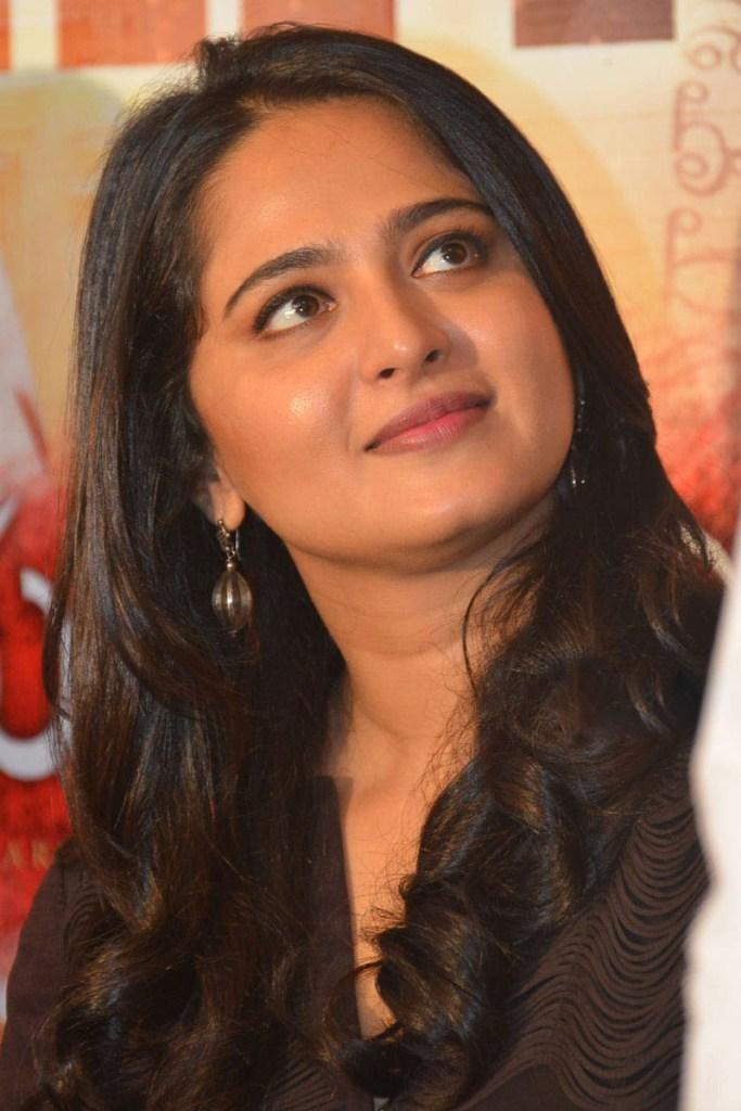 Anushka Shetty Wiki, Biography, Movies, and 126+ Stunning Photos 105