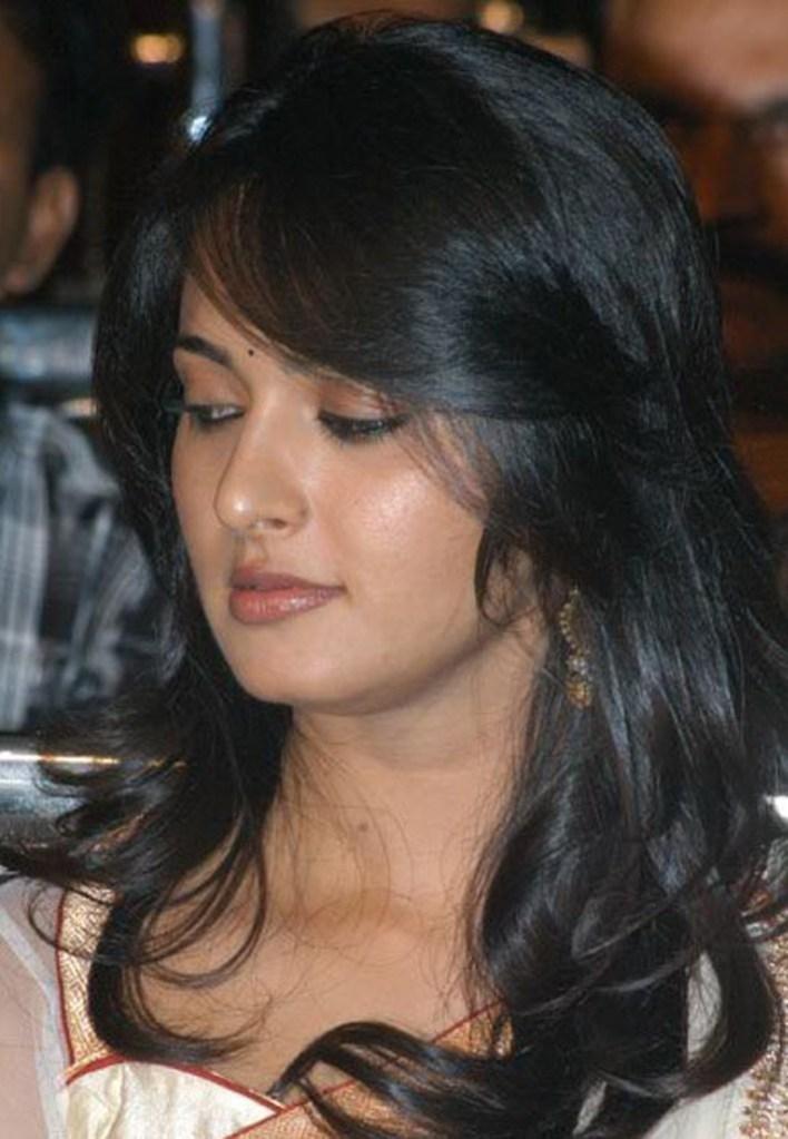 Anushka Shetty Wiki, Biography, Movies, and 126+ Stunning Photos 26
