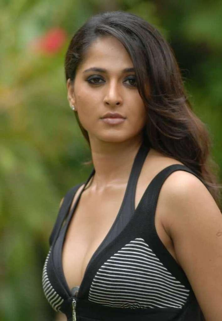 Anushka Shetty Wiki, Biography, Movies, and 126+ Stunning Photos 31