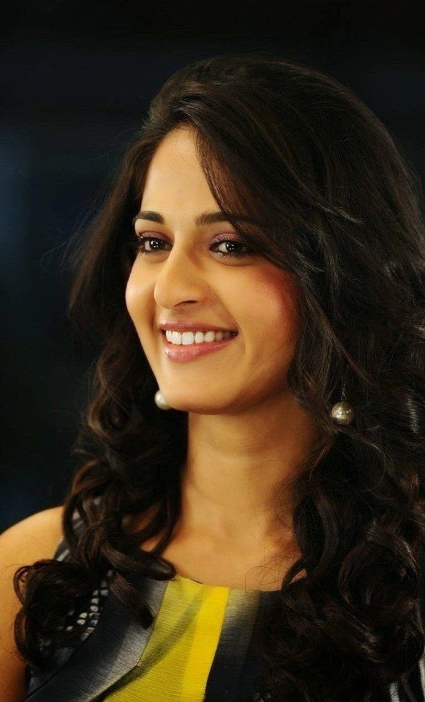 126+ Stunning HD Photos of Anushka Shetty 7