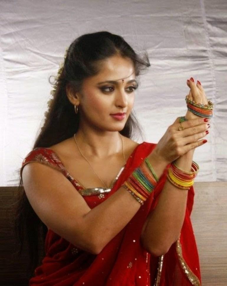 Anushka Shetty Wiki, Biography, Movies, and 126+ Stunning Photos 45