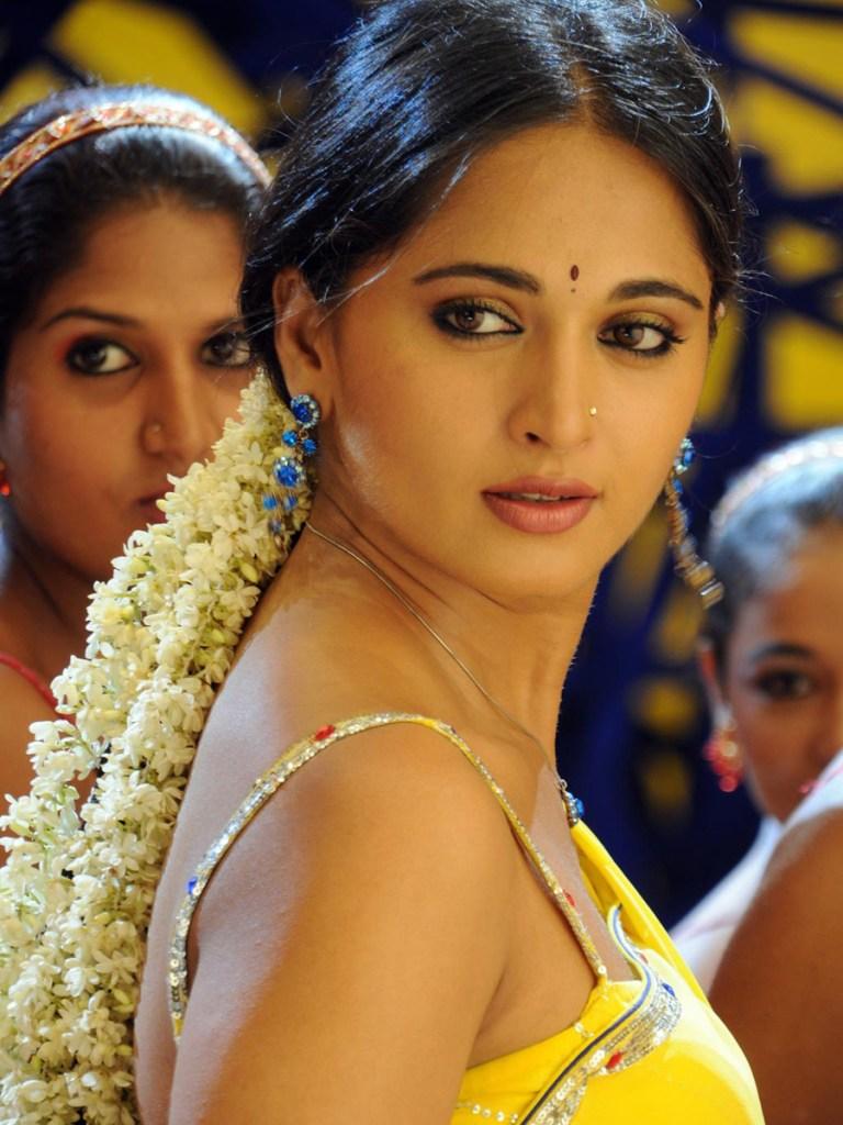 Anushka Shetty Wiki, Biography, Movies, and 126+ Stunning Photos 149
