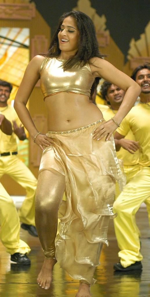 Anushka Shetty Wiki, Biography, Movies, and 126+ Stunning Photos 169