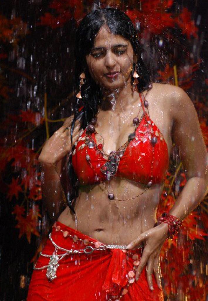 126+ Stunning HD Photos of Anushka Shetty 95